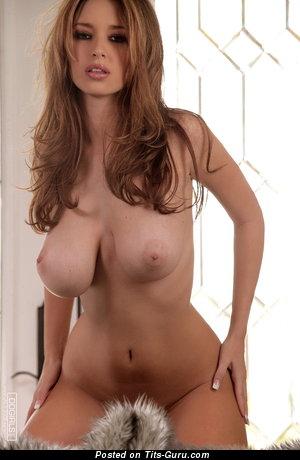 Shay Laren: модель (США) с умопомрачительной обнажённой натуральной крупной грудью (hd эро фотка)