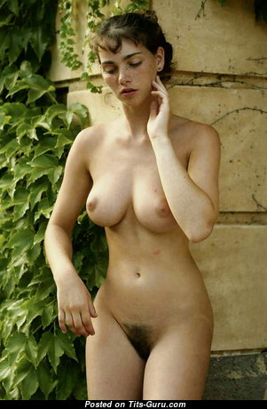 Fine Babe with Fine Defenseless Real D Size Tit (Xxx Image)
