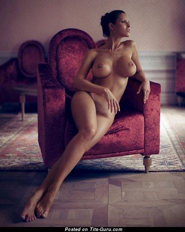 Изображение. Картинка сексуальной раздетой чувихи