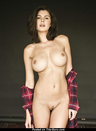 Elegant Babe with Elegant Bare Firm Chest (Xxx Image)