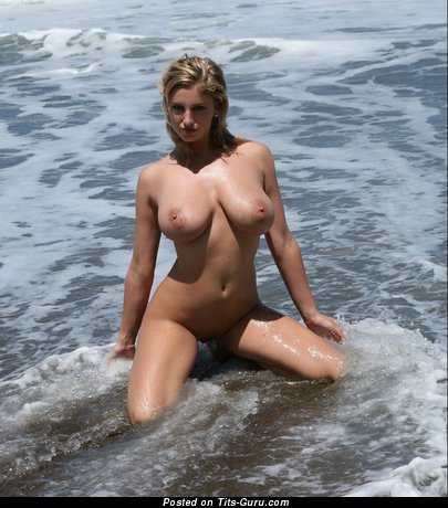 Jenny Mcclain - Splendid Wet Czech Moll with Splendid Exposed Natural Tight Knockers (Sex Picture)