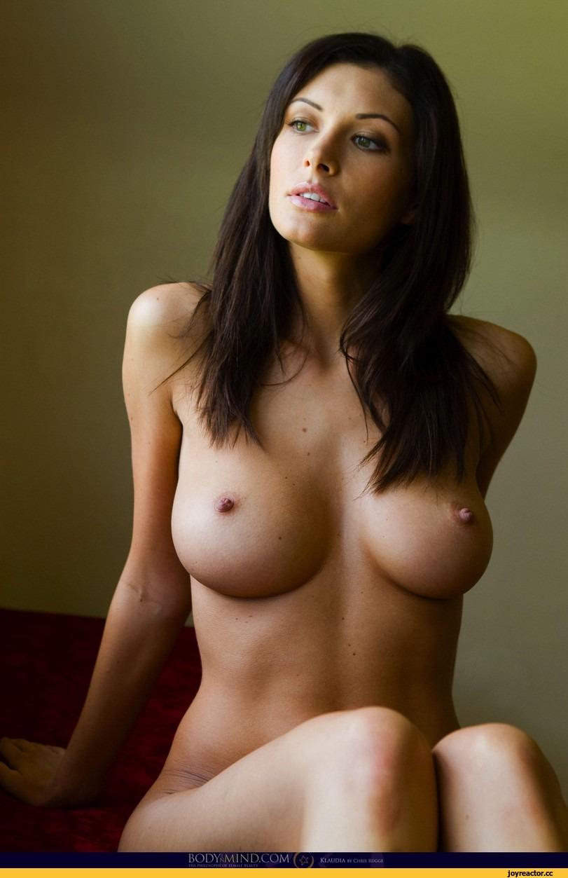 Фото сиськастых голых девушек 20 фотография