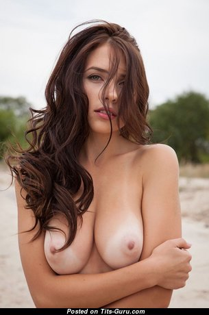 Magnificent Nude Babe (Sexual Pix)