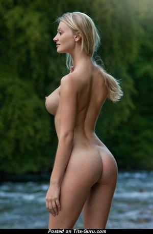 Dazzling Glamour Nude Blonde (Hd Porn Foto)