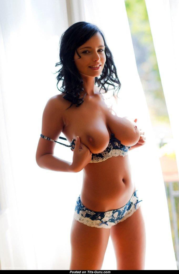 Big titties wallpaper