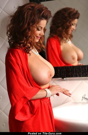 The Nicest Babe with The Nicest Nude Dd Size Boobs (Porn Picture)