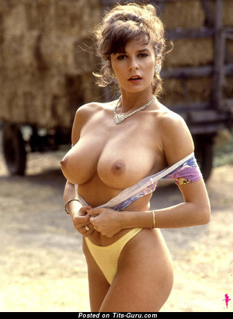 Donna Ewing - Graceful Miss with Graceful Defenseless Mid Size Boob (Sexual Picture)