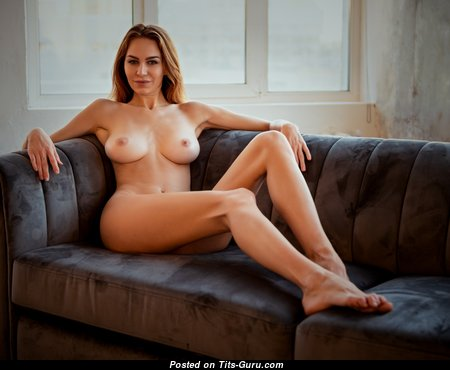 Fine Babe with Fine Exposed Natural Firm Boobie (Hd Porn Image)