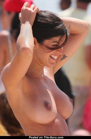 Fine Babe with Fine Defenseless Real Regular Titties (Xxx Foto)