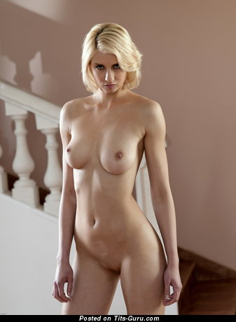 Image. Victoria - naked blonde with medium natural boob pic