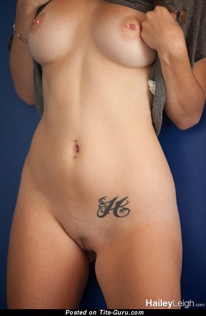 Image. Hailey Leigh - beautiful woman with natural tittes picture