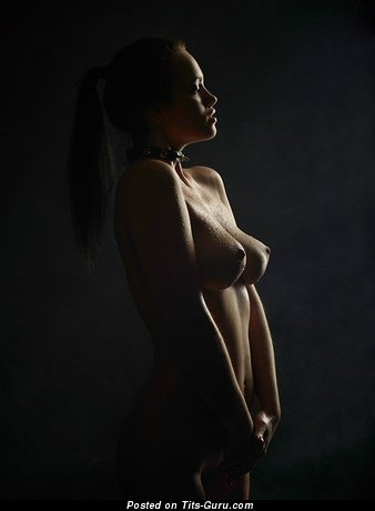 Image. Naked wonderful lady with medium natural breast picture