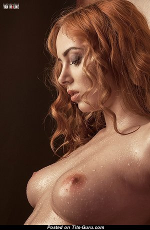 Beautiful Undressed Red Hair (Sexual Wallpaper)