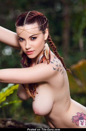 Image. Elizabeth Marxs - amazing female with big natural tits photo