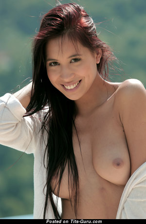Image. Paula - nude brunette with natural boobs pic