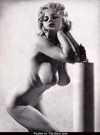 Изображение. Картинка шикарной обнажённой девахи