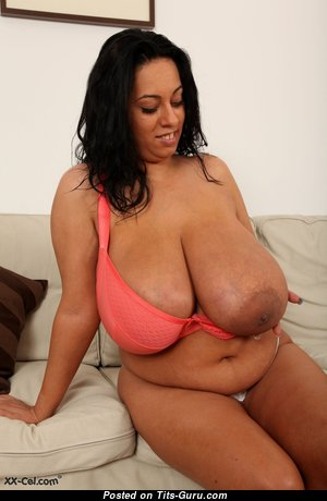 Big Boobs - Grand Topless & Glamour Babe & Housewife with Grand Open Real Big Tittys & Weird Nipples (Hd Porn Picture)