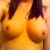 Awesome lady with medium natural tits pic