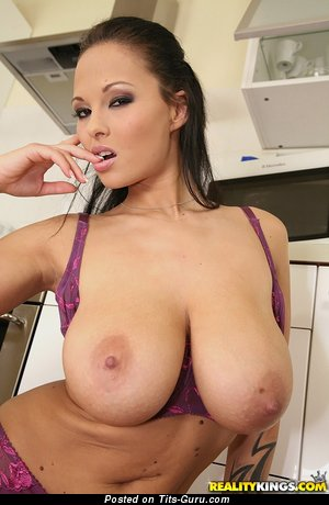 Dominno - The Nicest Czech Pornstar with The Nicest Bare Big Titty (Sex Picture)