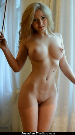 Nude awesome lady with big tots picture