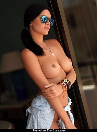 Sexy naked amazing lady with medium natural tittys pic
