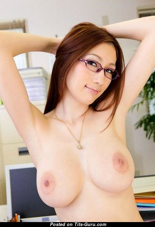 Handsome Undressed Asian Brunette Babe (18+ Picture)