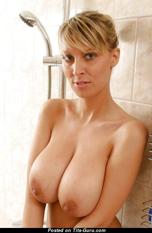 The Nicest Nude Blonde Babe in the Shower (Hd Sexual Wallpaper)