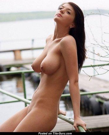 Superb Undressed Babe (Porn Wallpaper)