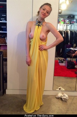 Sexy topless amateur hot girl with medium natural breast pic