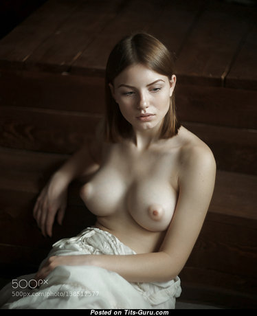 Charming Babe with Charming Naked Real Med Knockers (Xxx Picture)
