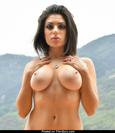 Magnificent Babe with Magnificent Bald Natural Dd Size Melons (18+ Wallpaper)