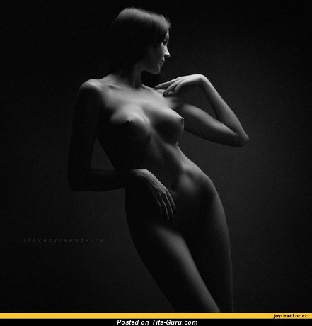 Image. Naked awesome female with medium tittes image