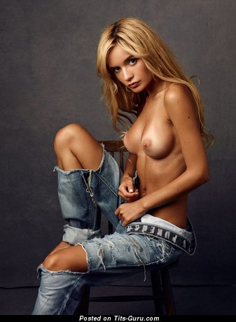 Image. Blonde with small tittes image