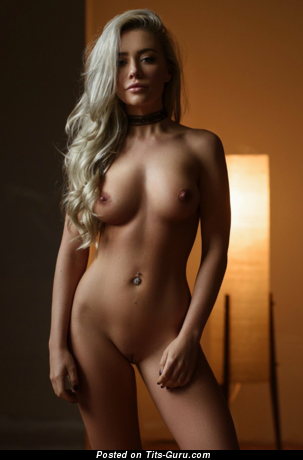 Sexy Blonde Babe with Sexy Bald Natural Soft Breasts & Inverted Nipples (18+ Foto)