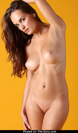 Image. Anabelle - naked nice female with medium tittes photo