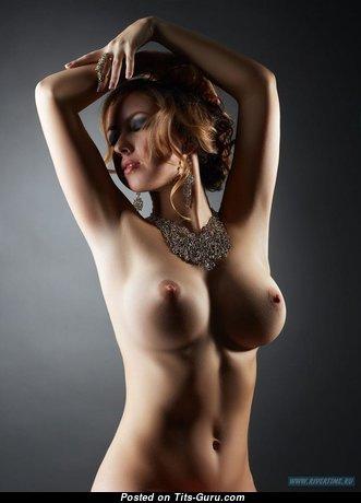 Nice Babe with Nice Bare Medium Breasts (Hd Sex Pix)