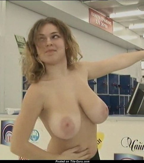 young hot girl fisting herself
