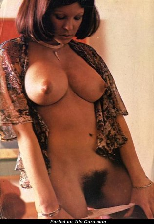 Image. Awesome woman with big natural tittys pic
