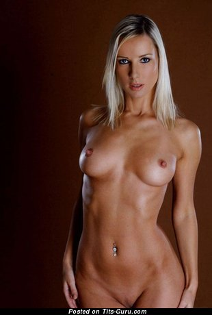 Charming Bimbo with Charming Exposed Natural Firm Breasts (Sex Photoshoot)