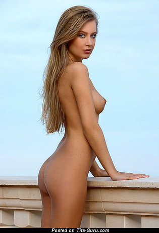 Image. Naked awesome woman with natural boobs pic