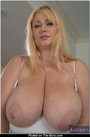 Samantha Tits