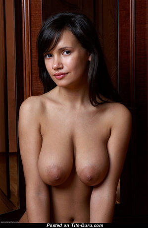 Alona Aka Sandra Aka Anna Aka Ganeli - naked beautiful lady with medium natural tittys image