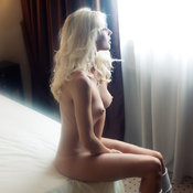 Blonde with medium natural breast pic