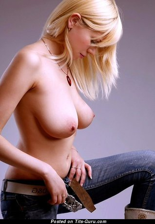Image. Sexy naked blonde with natural tittes image