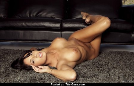 Hot Unclothed Lady (Sex Photo)