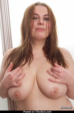 Cyntia Alkowa - Good-Looking Topless Red Hair Housewife, Mom & Babe with Erect Nipples (Home Hd Porn Image)