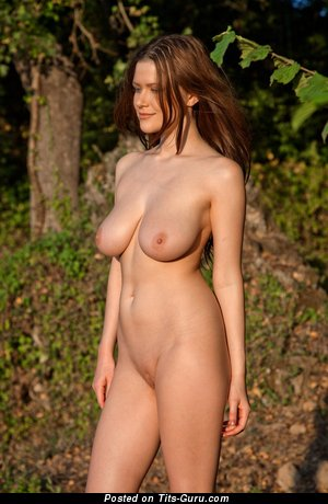 Image. Nude amazing lady with big natural tittys picture