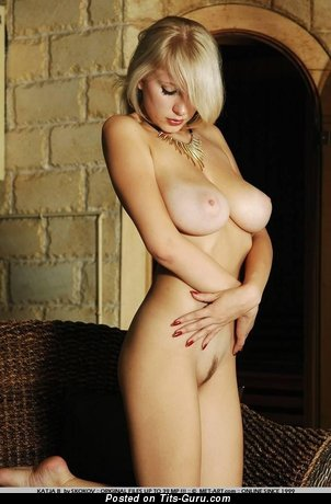 Image. Nude blonde with big tots picture