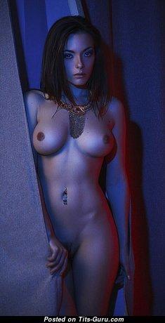 Cute Undressed Brunette (Hd Porn Photoshoot)