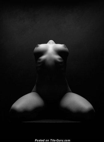 Изображение. Картинка невероятной обнажённой женщины